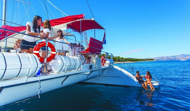 Blue Lagoon – catamaran tour from Split