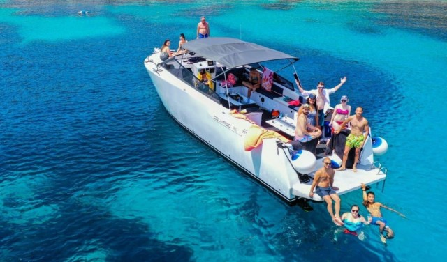 Luxury Blue cave tour from Split - All inclusive!