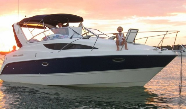 Rent a boat Bayliner 285 Ciera Cruiser - Split