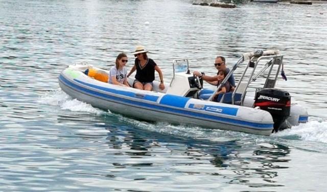Rent a boat MAESTRAL SCORPIO F80 - Split / Trogir