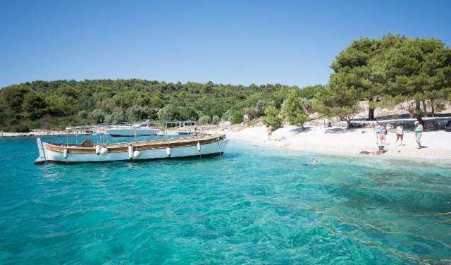 Three Islands - day tour from Split / Trogir