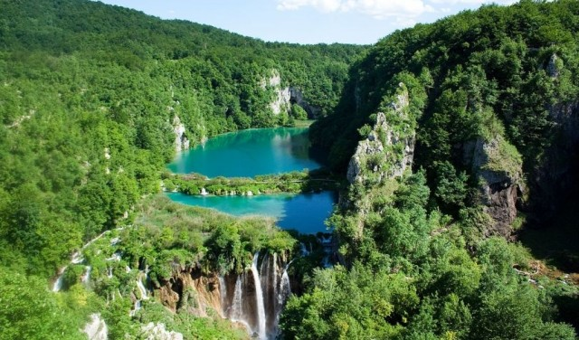 Panoramic flight of Plitvice Lakes